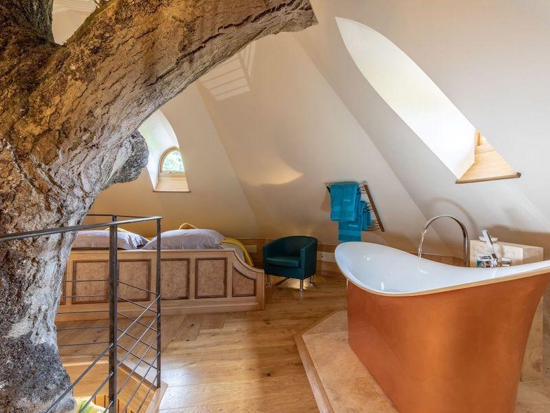 tenbury wells luxury hot tub cottage for couples eathelin treehouse bath
