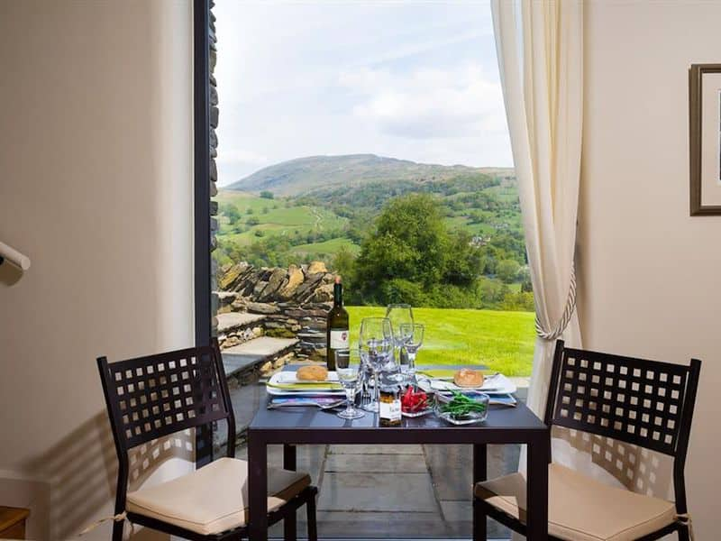 lake district ambleside romantic cottage for couples infinity dining